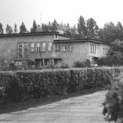Budynek Instytutu przy ulicy Krzywoustego 19 (1985).
