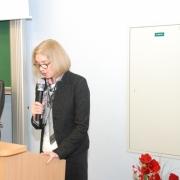W imieniu uczniów prof. dr. hab. Jana Żebrowskiego przemawia dr Joanna Nowak